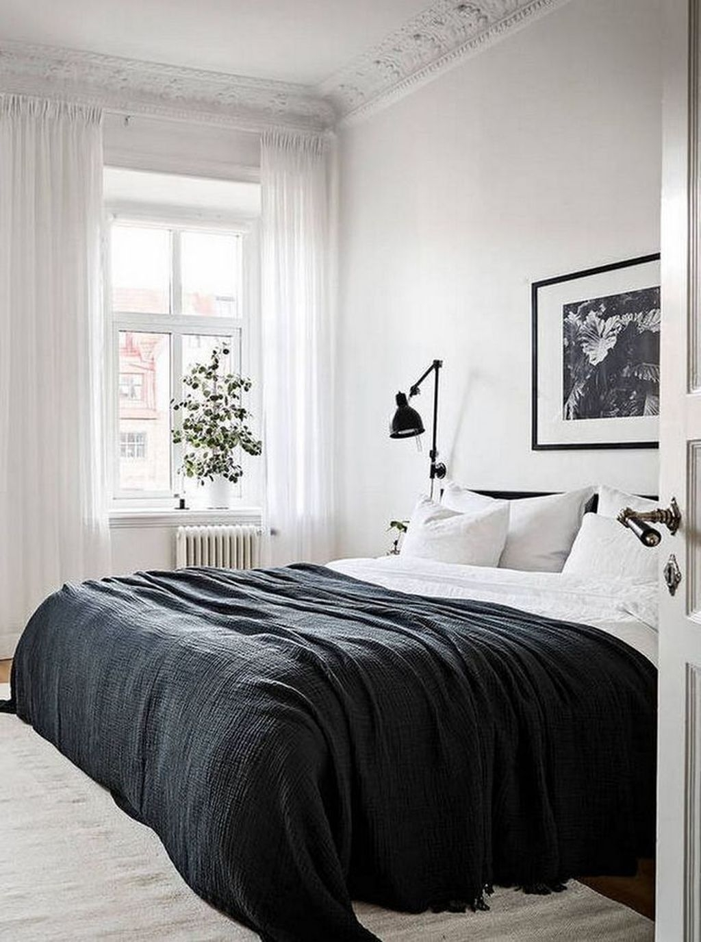 Minimalist Scandinavian Bedroom Decor Ideas 38