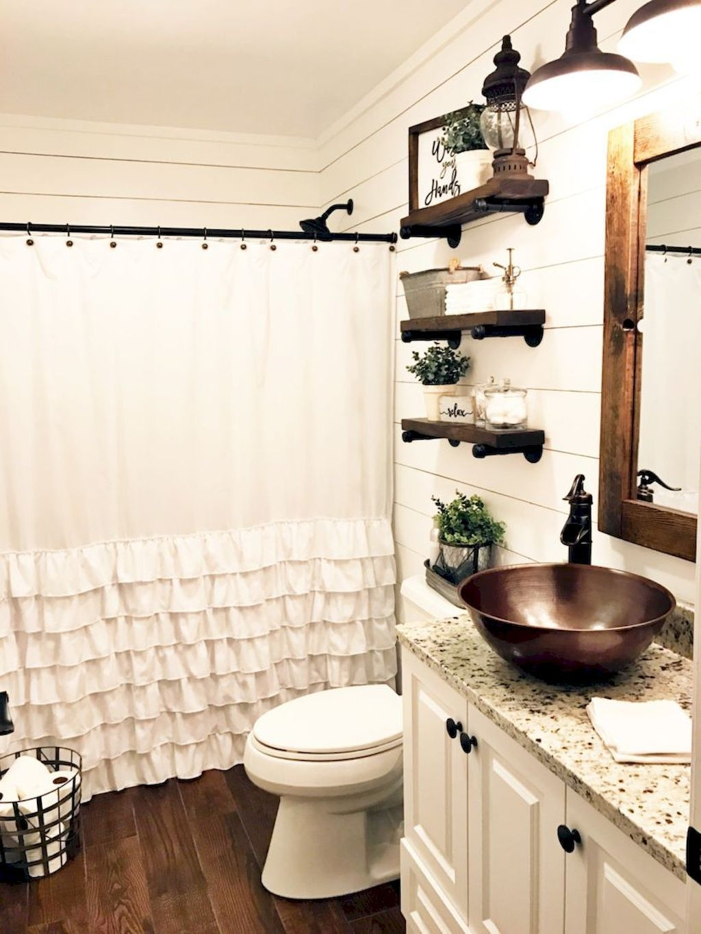 Perfect Rustic Farmhouse Bathroom Design Ideas 16