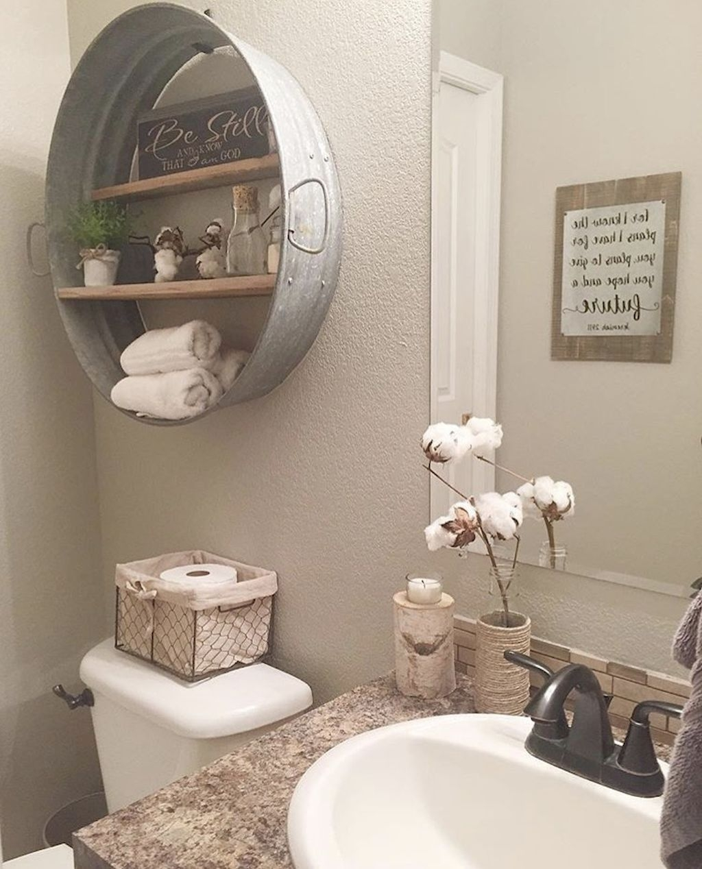Perfect Rustic Farmhouse Bathroom Design Ideas 35