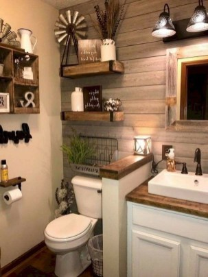 Perfect Rustic Farmhouse Bathroom Design Ideas 45