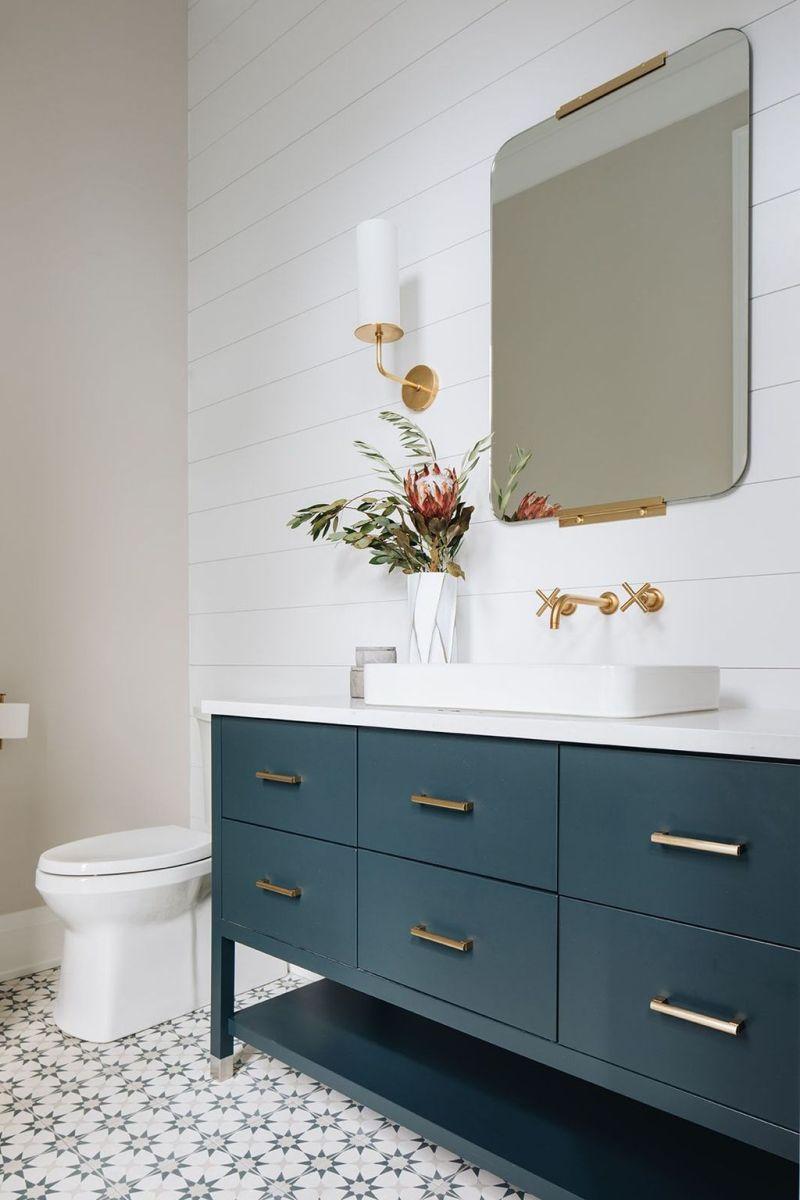 Amazing White Tile Bathroom Design Ideas Looks Elegant 13