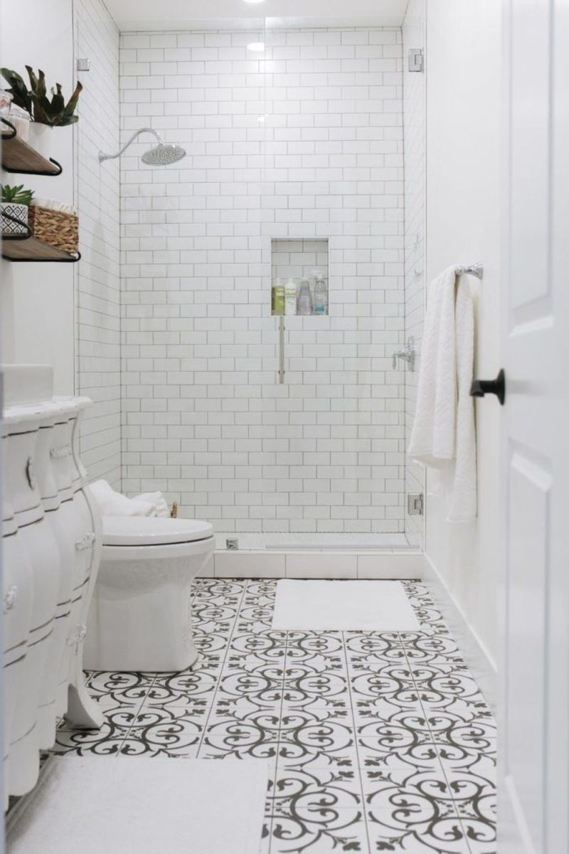 Amazing White Tile Bathroom Design Ideas Looks Elegant 18