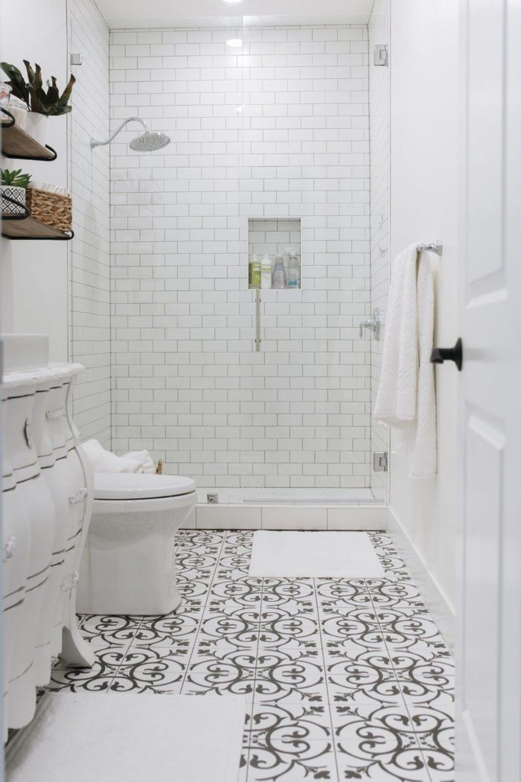 Amazing White Tile Bathroom Design Ideas Looks Elegant 18
