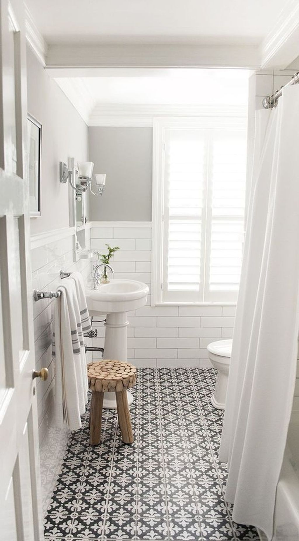 Amazing White Tile Bathroom Design Ideas Looks Elegant 39