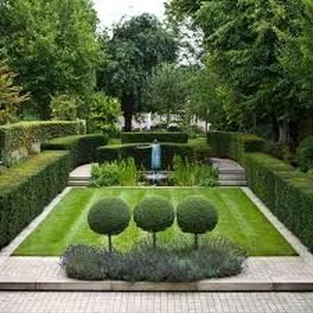 Beautiful Formal Garden Design Ideas 01