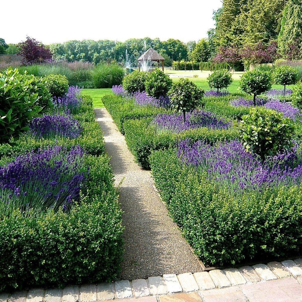 Beautiful Formal Garden Design Ideas 04