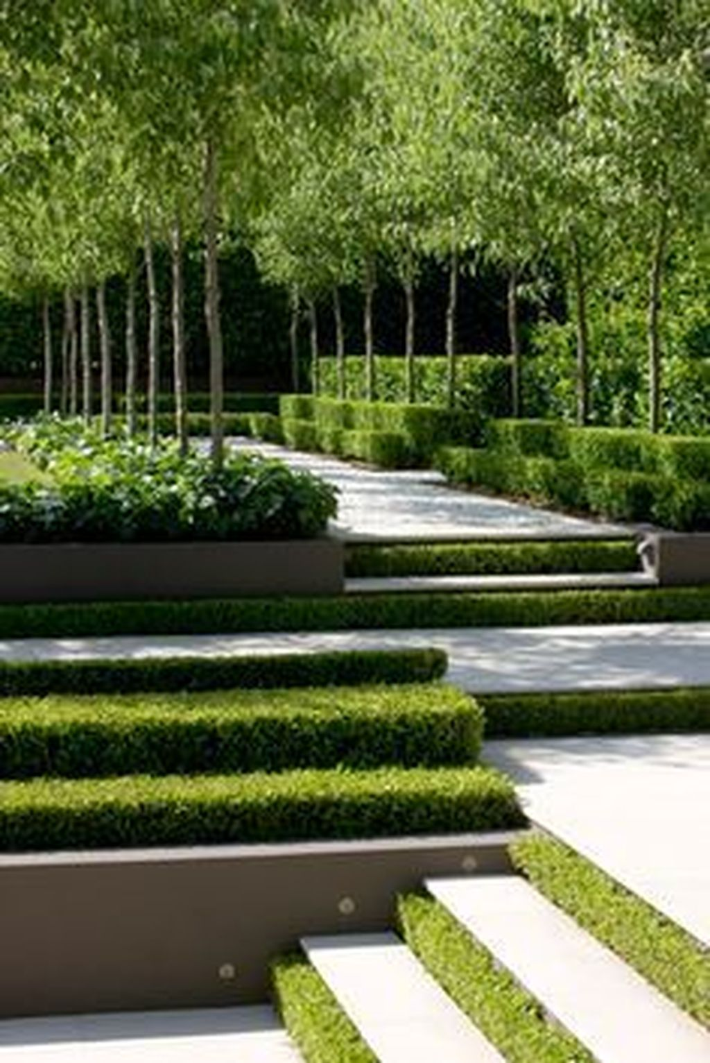Beautiful Formal Garden Design Ideas 05 1