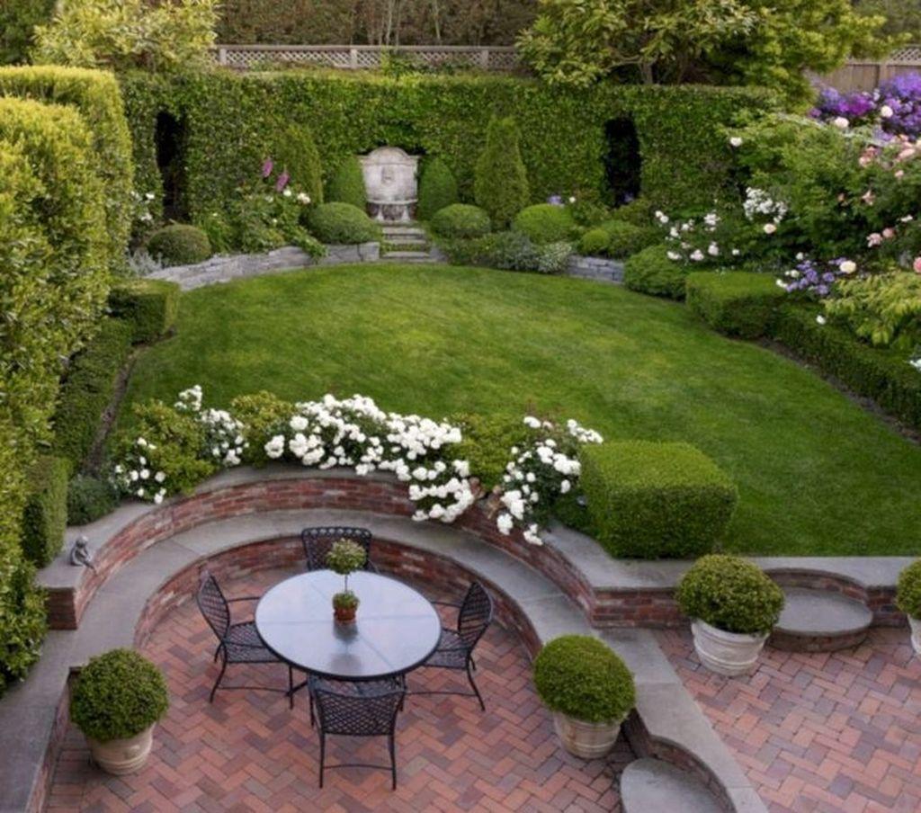 Beautiful Formal Garden Design Ideas 14
