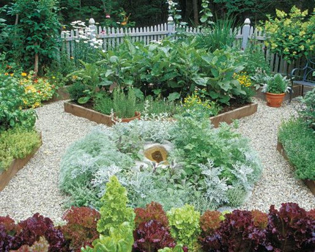 Beautiful Formal Garden Design Ideas 29 1