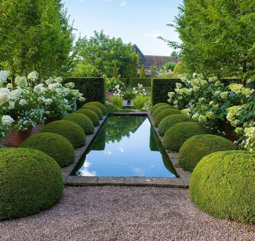 Beautiful Formal Garden Design Ideas 31 1