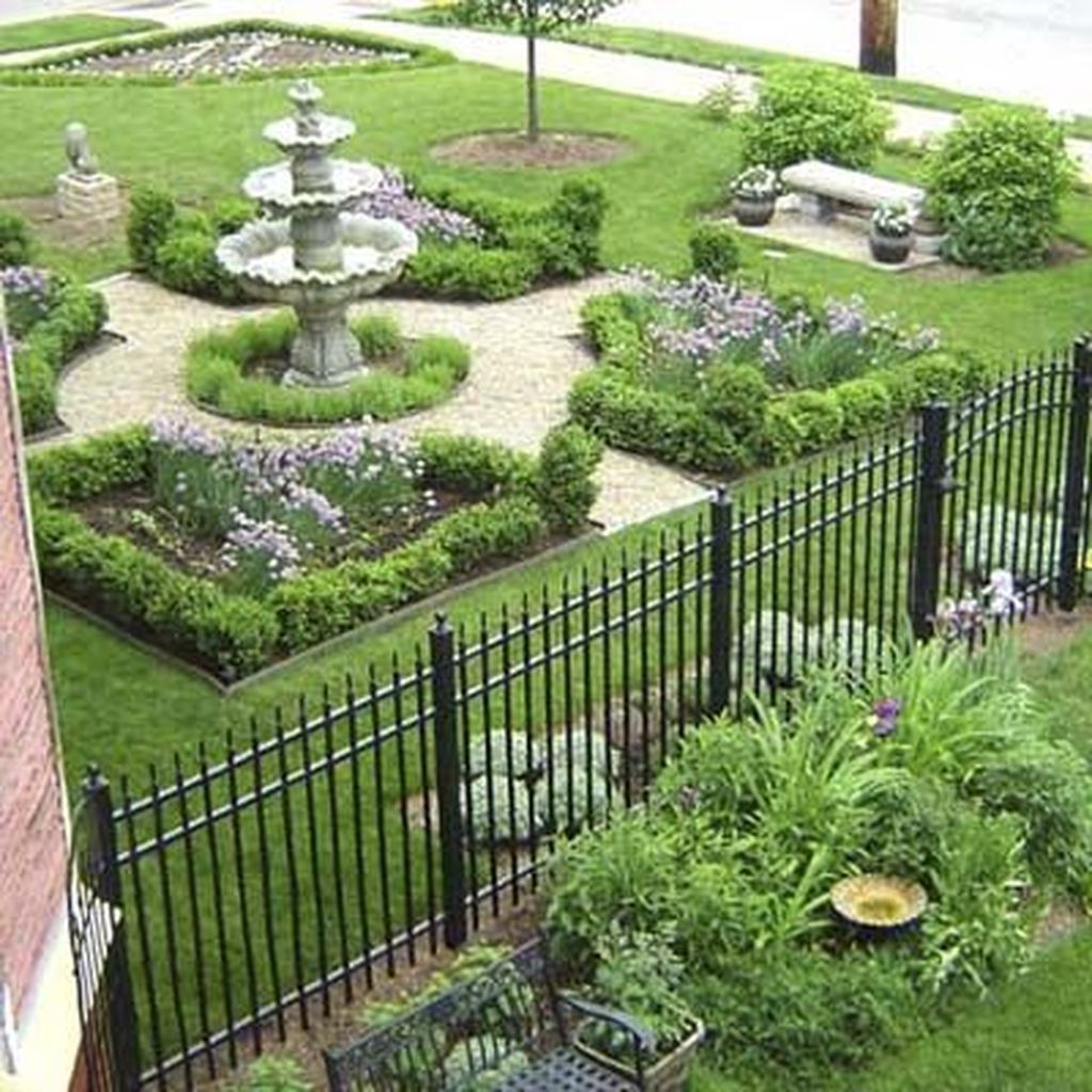 Beautiful Formal Garden Design Ideas 32 1