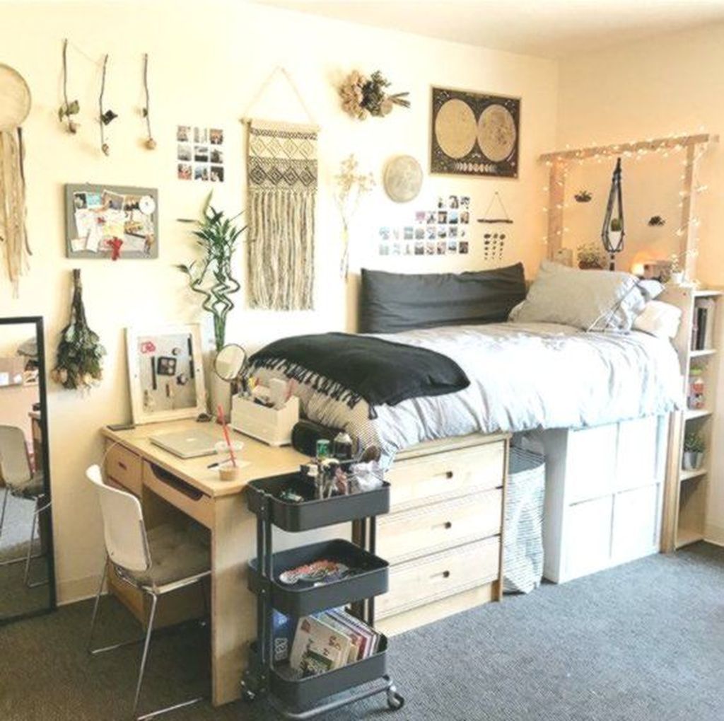 Cool Dorm Room Ideas To Maximize Your Space 14