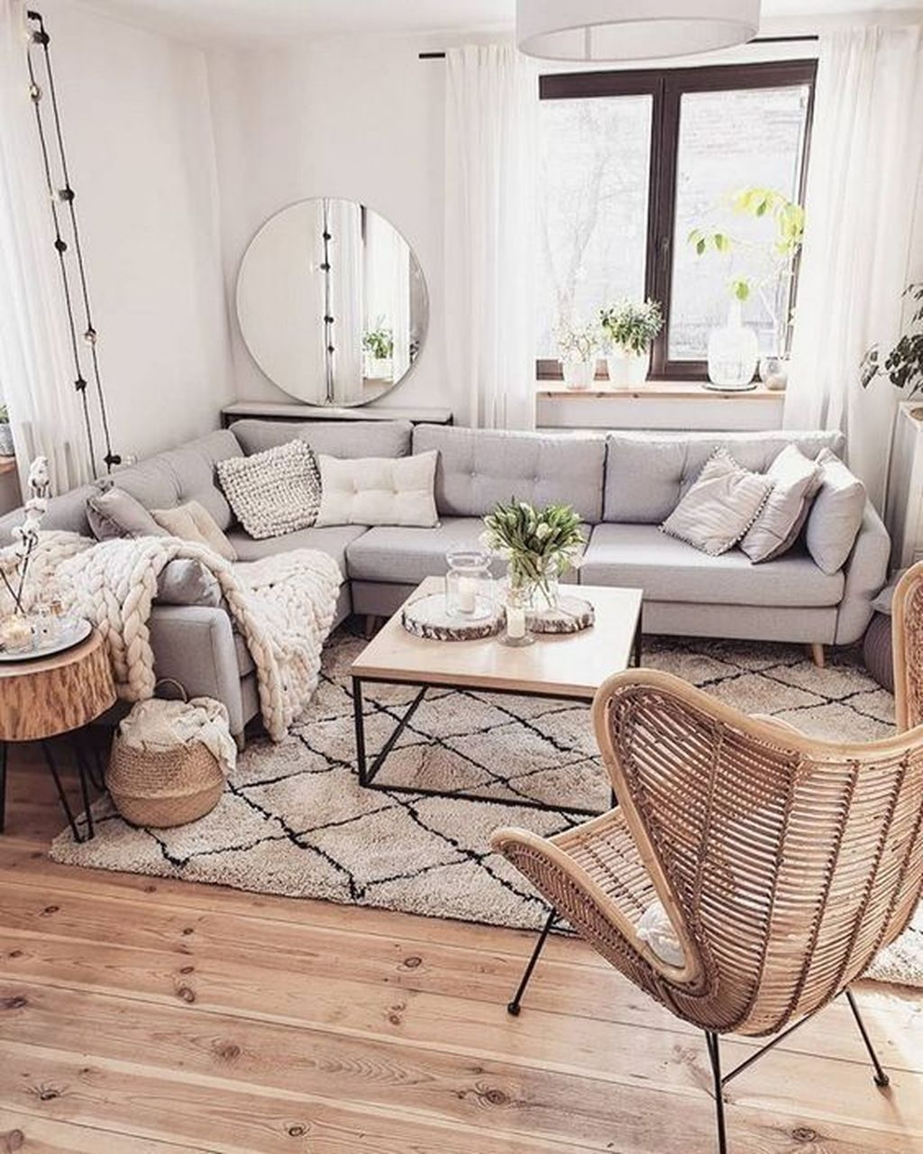 Fascinating Small Apartment Living Room Decor Ideas 02