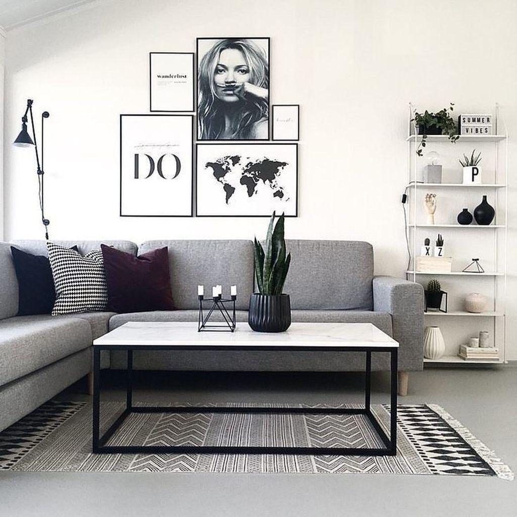 Fascinating Small Apartment Living Room Decor Ideas 18