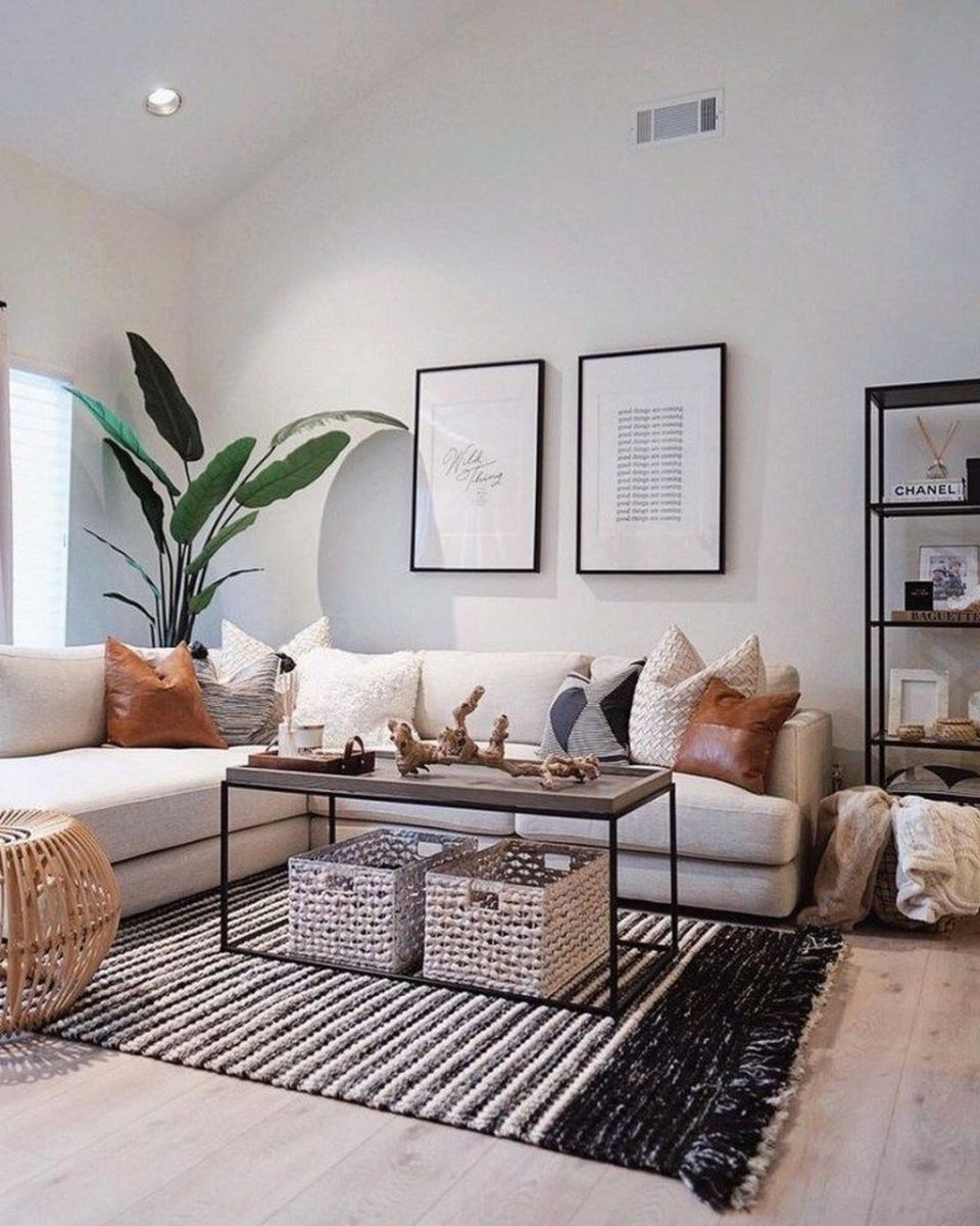 Fascinating Small Apartment Living Room Decor Ideas 19