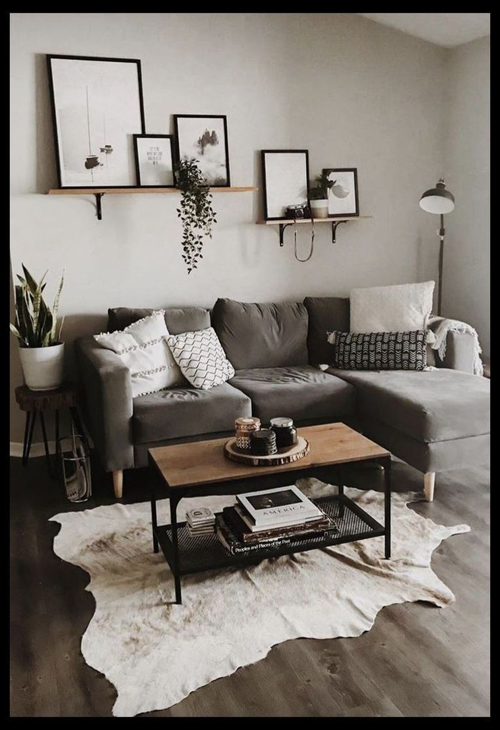 Fascinating Small Apartment Living Room Decor Ideas 29