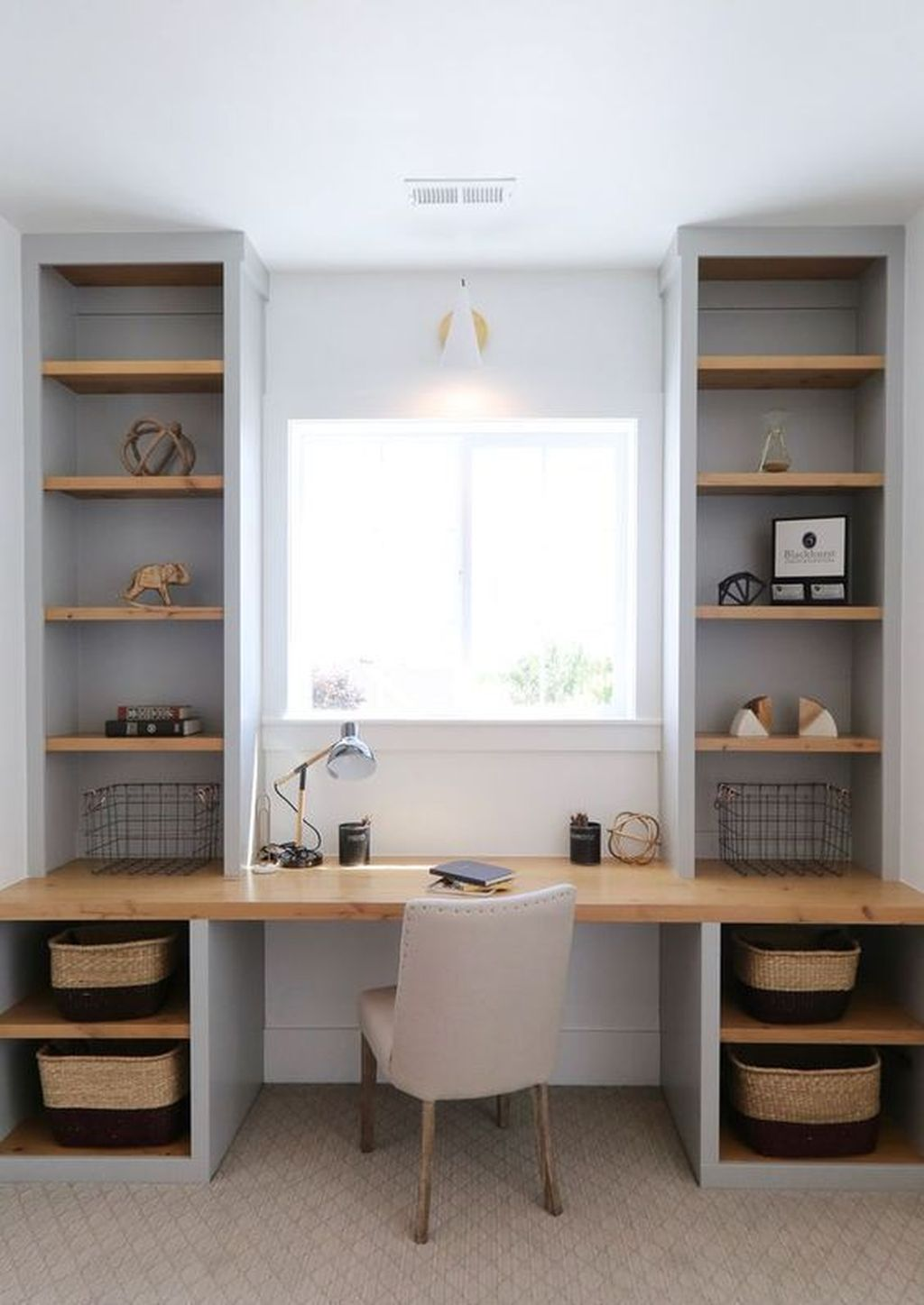 Inspiring Small Office Ideas For Small Space 31