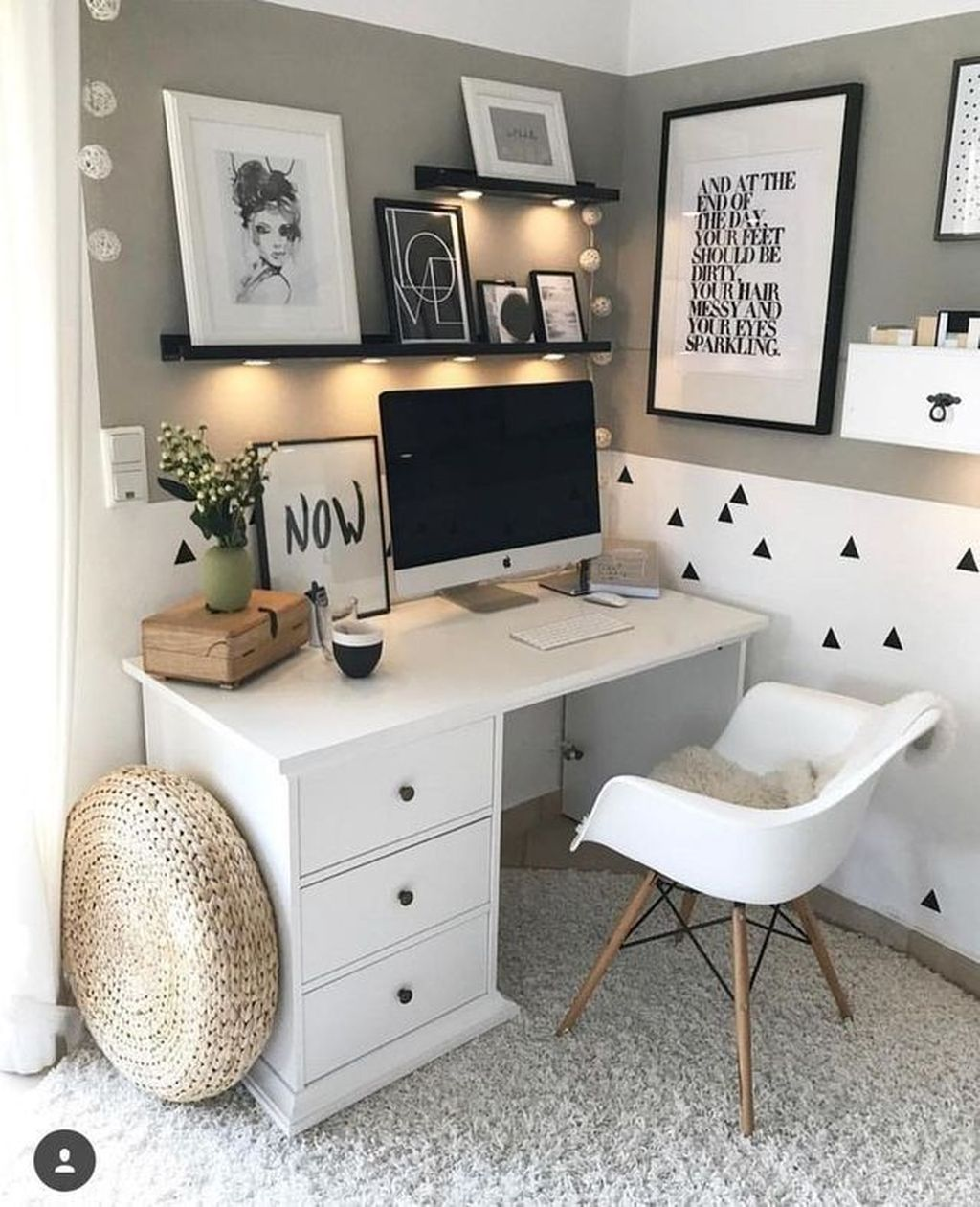 Inspiring Small Office Ideas For Small Space 32