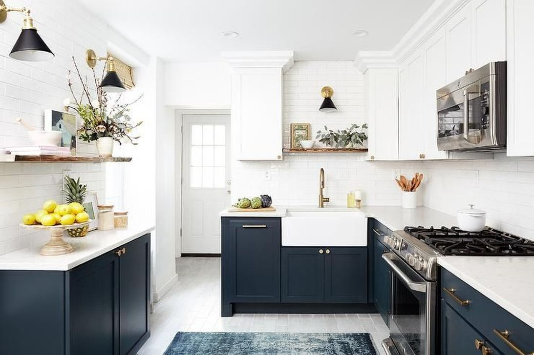 Nice Dark Blue Kitchen Cabinets With Luxurious Accent 03