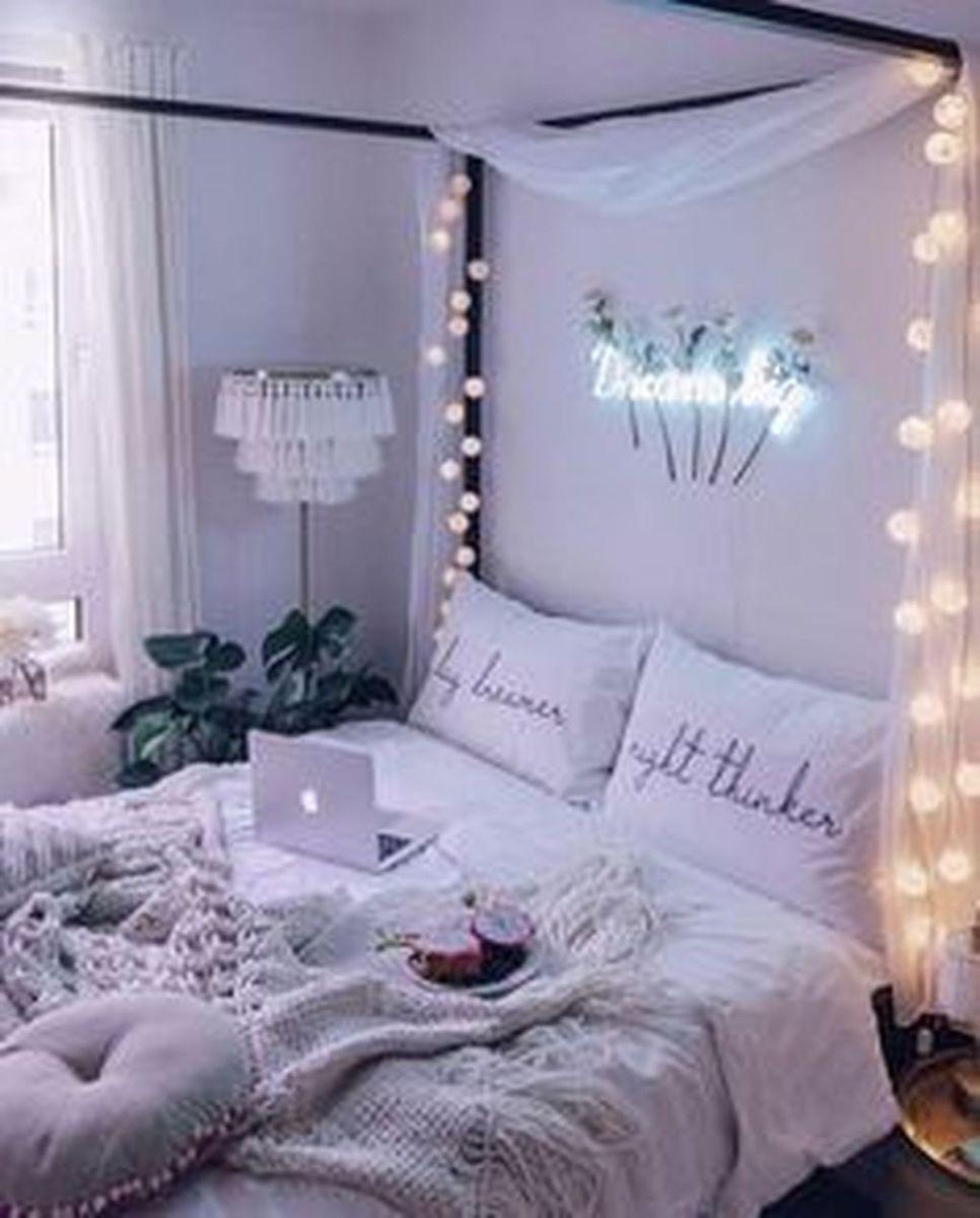 Nice Simple Dorm Room Decor You Should Copy 17