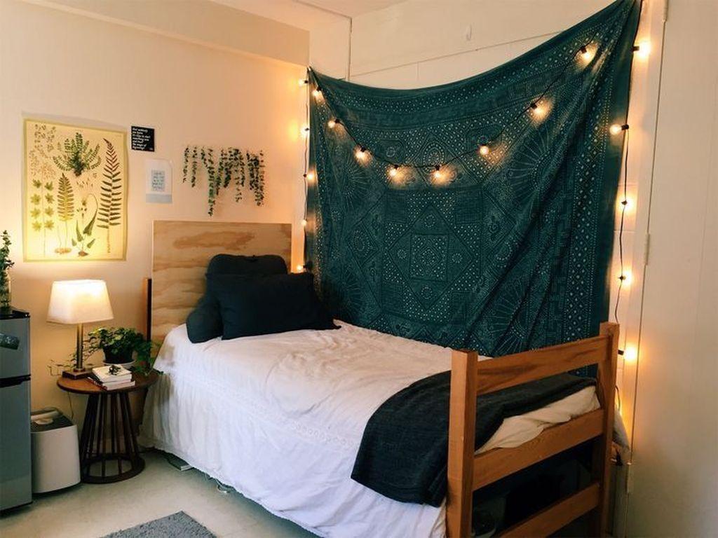 Nice Simple Dorm Room Decor You Should Copy 22
