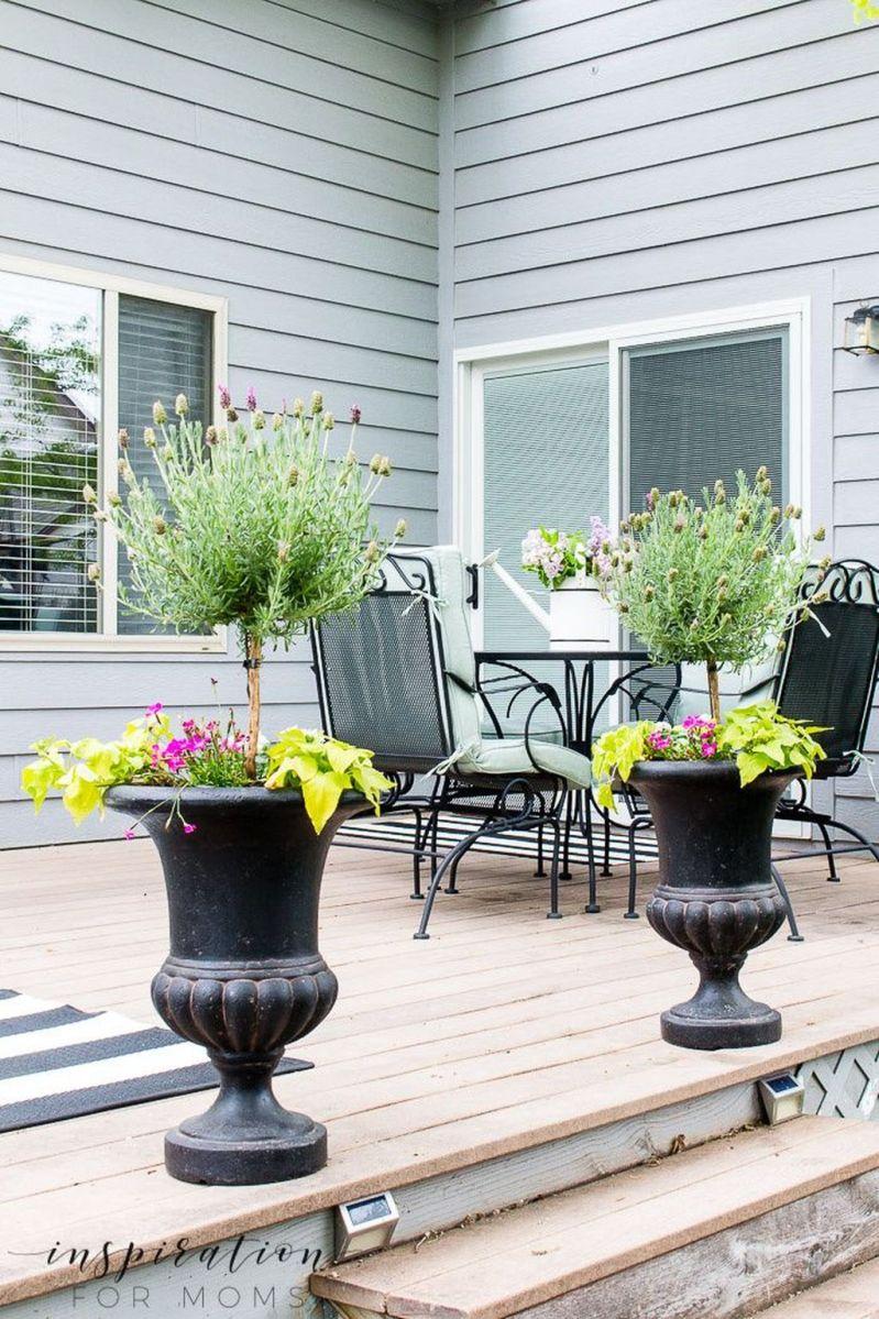 Popular Spring Outdoor Decor Ideas 07