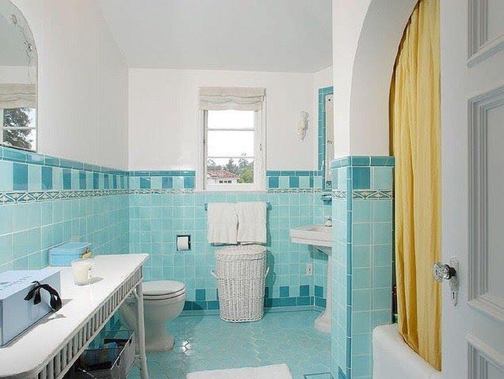 Affordable Coral Color Bathroom Decor Ideas 20