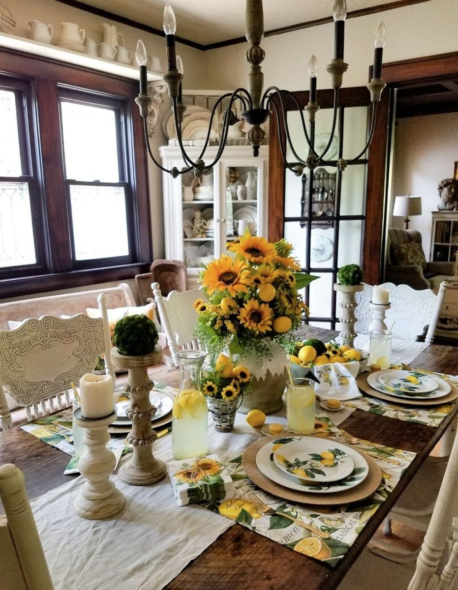 Amazing Summer Tablescapes For Dining Room Decor 05