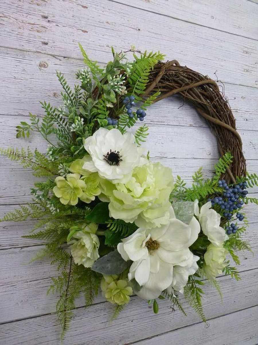 Awesome Spring Wreath Ideas For Front Door Decor 09