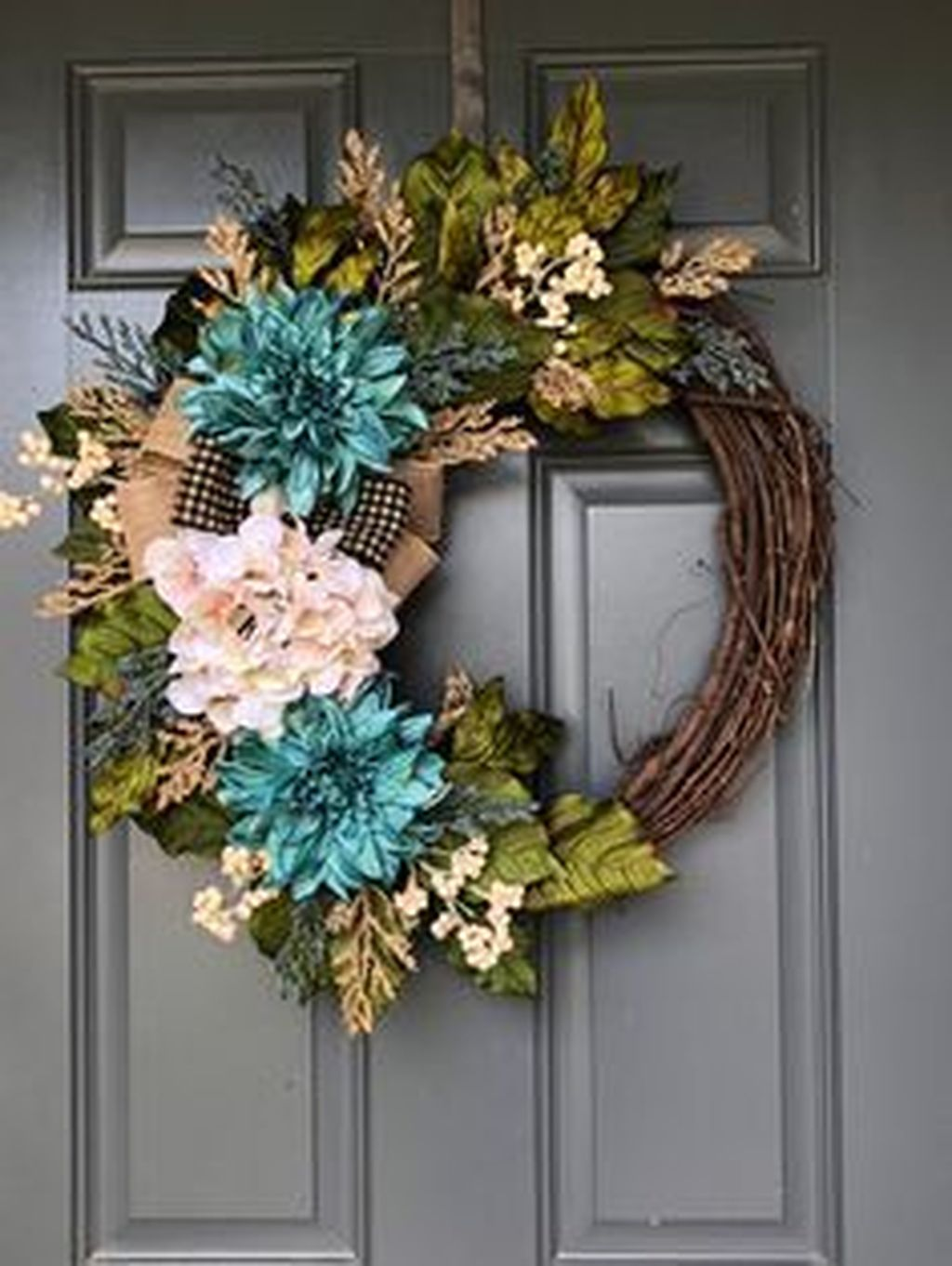 Awesome Spring Wreath Ideas For Front Door Decor 12