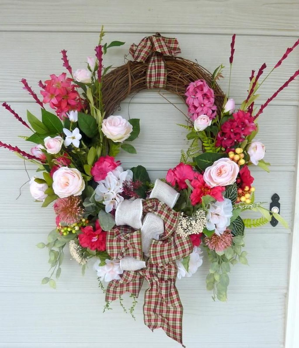 Awesome Spring Wreath Ideas For Front Door Decor 30