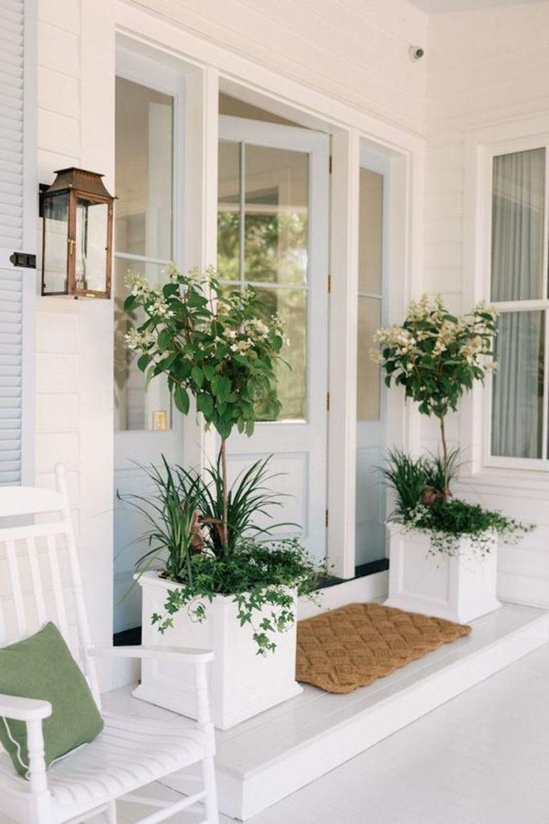 Beautiful Summer Planters Ideas For Front Door Decor 07