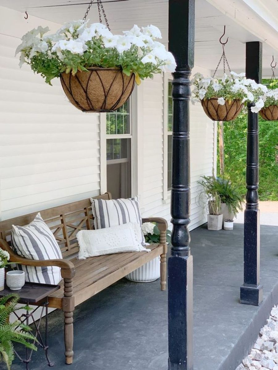 Beautiful Summer Planters Ideas For Front Door Decor 33