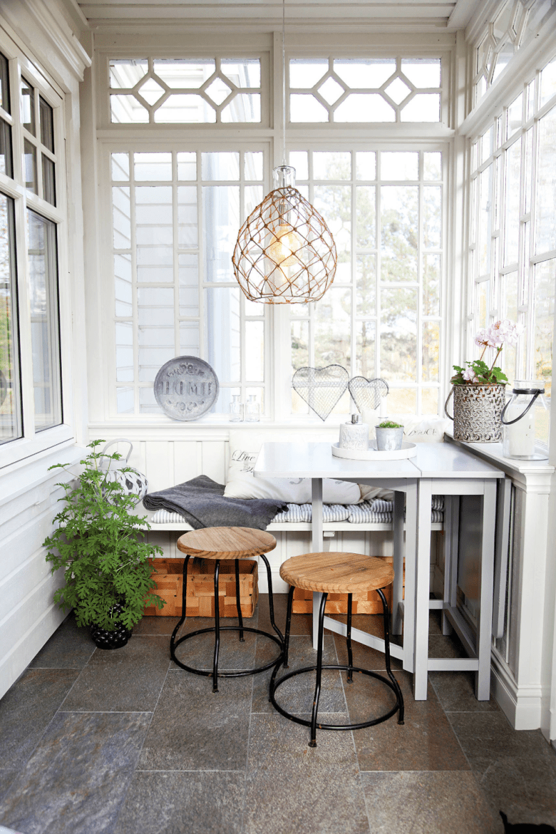 Charming Small Sunroom Decorating Ideas You Must Try 07