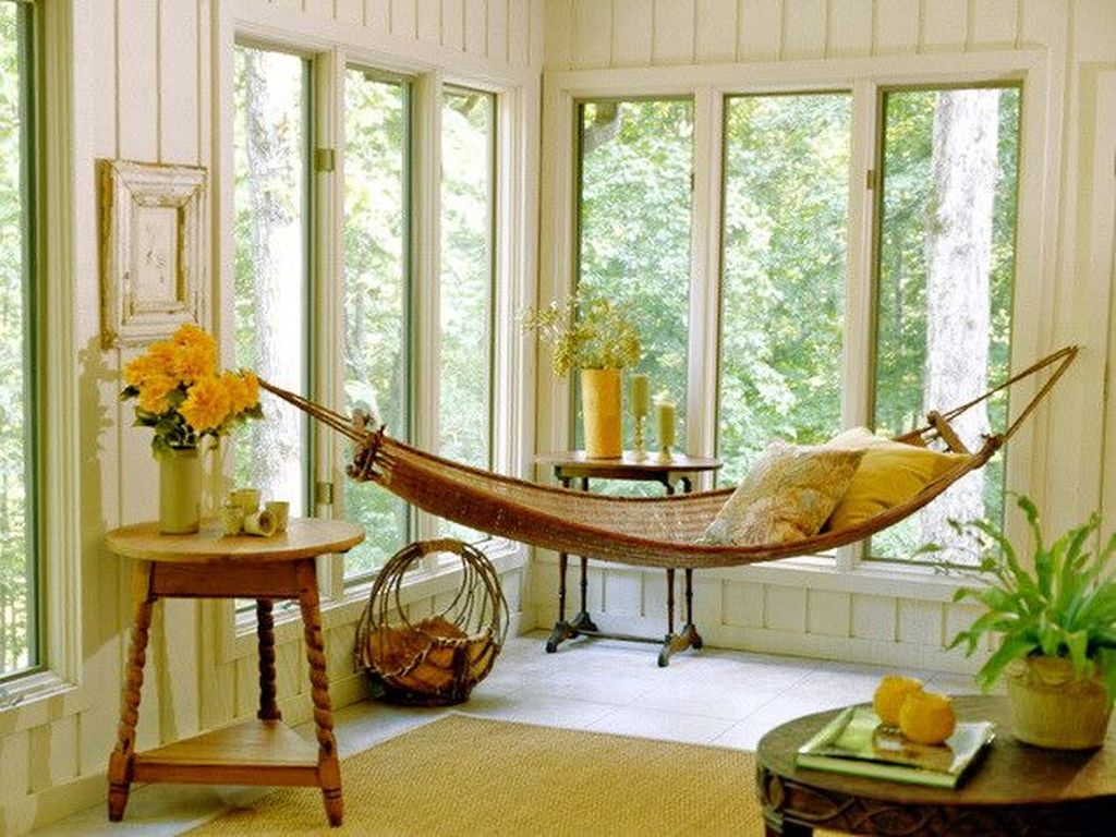 Charming Small Sunroom Decorating Ideas You Must Try 27