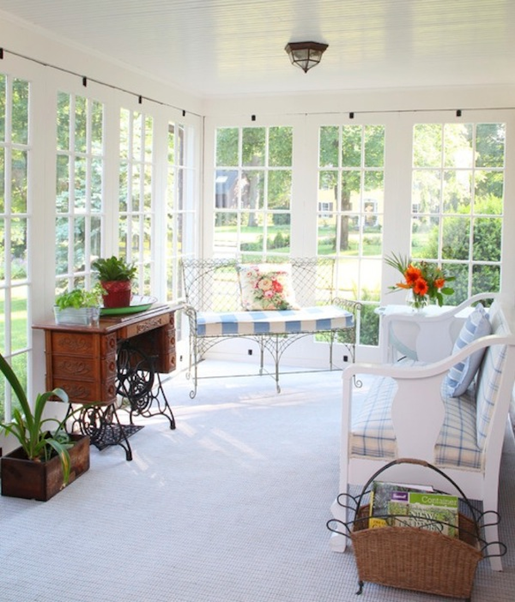 Charming Small Sunroom Decorating Ideas You Must Try 30