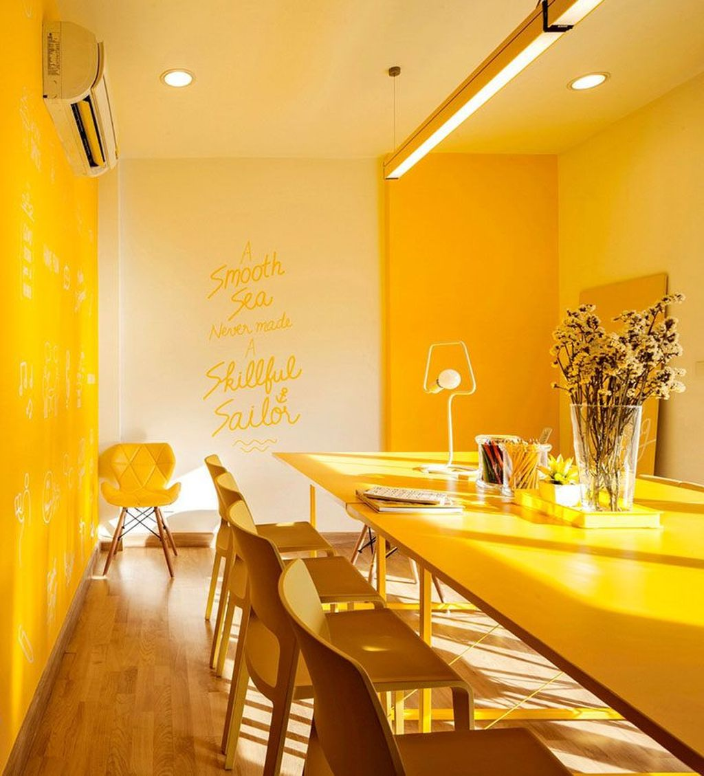 Charming Yellow Interior Design Ideas Best For Summer 07
