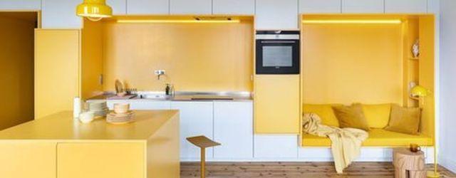 Charming Yellow Interior Design Ideas Best For Summer 30