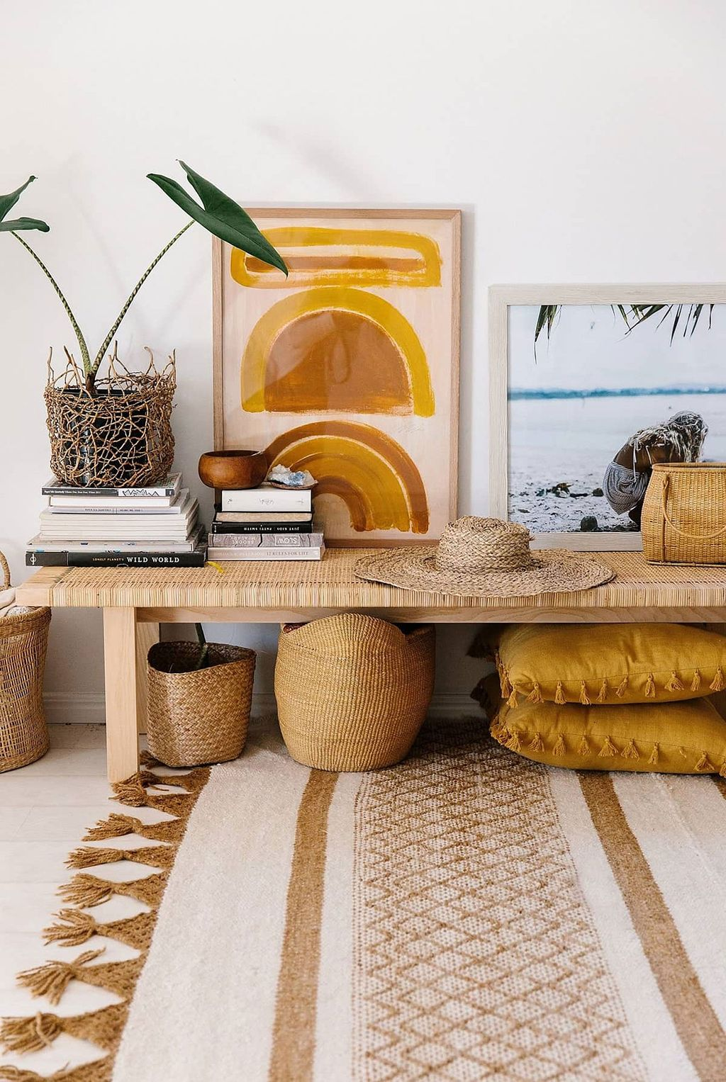 Charming Yellow Interior Design Ideas Best For Summer 31