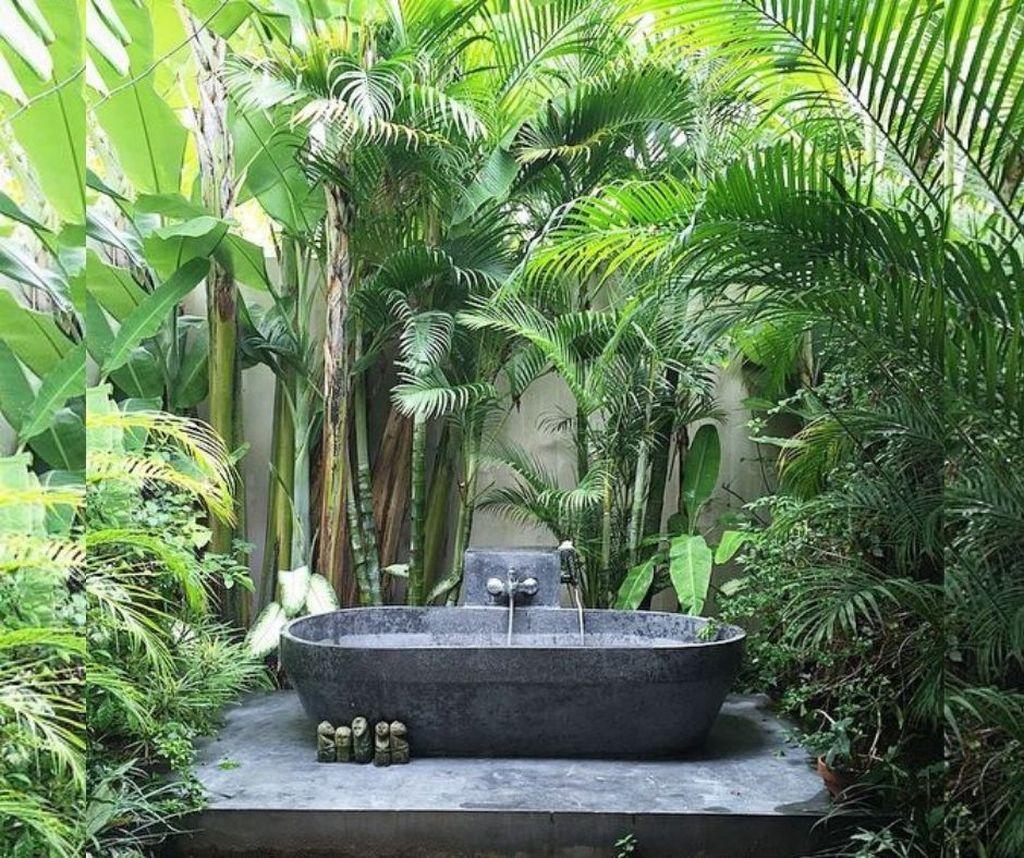 Creative Outdoor Bathroom Design Ideas For Enjoying Summer 14