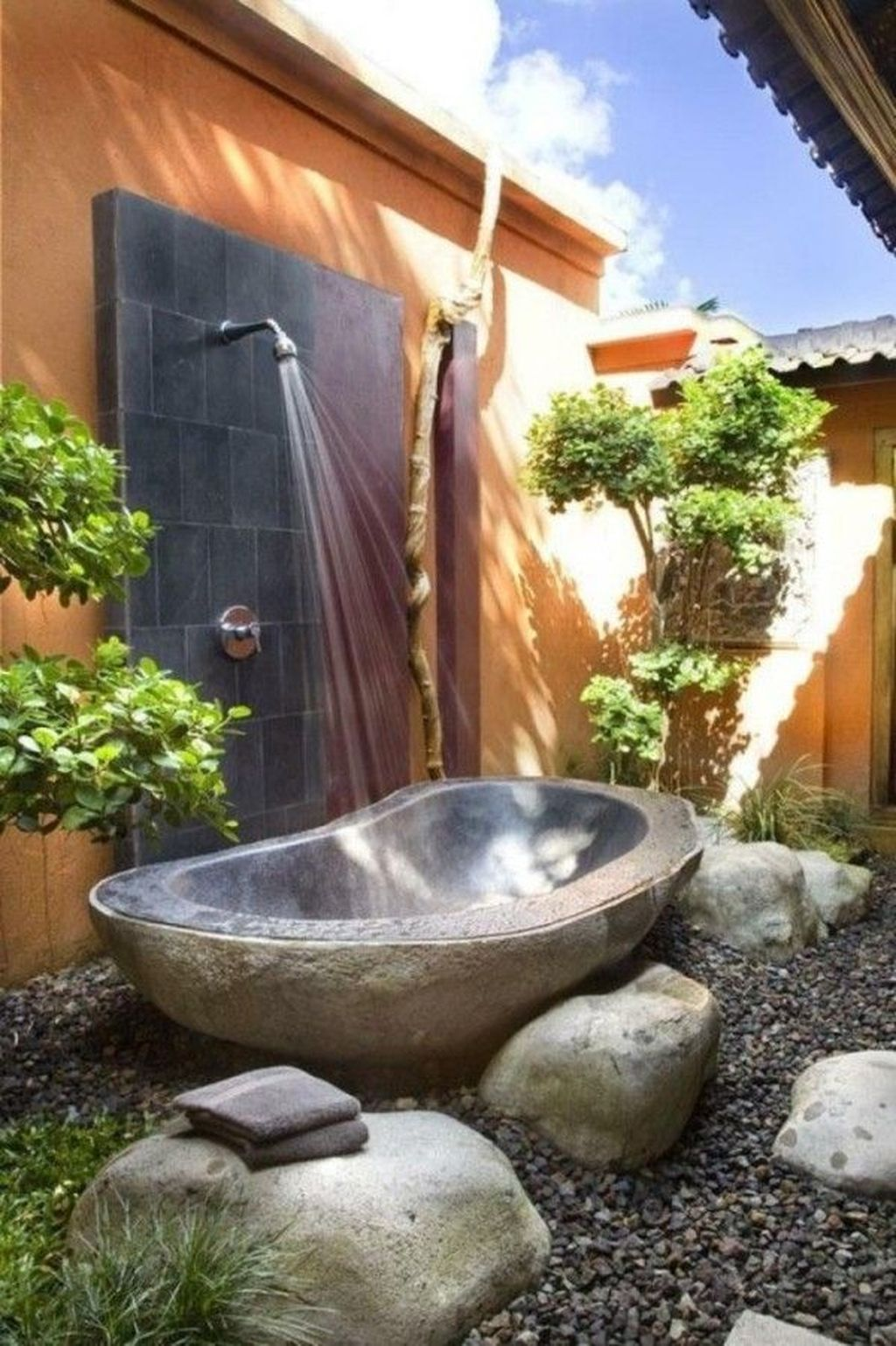 Creative Outdoor Bathroom Design Ideas For Enjoying Summer 26