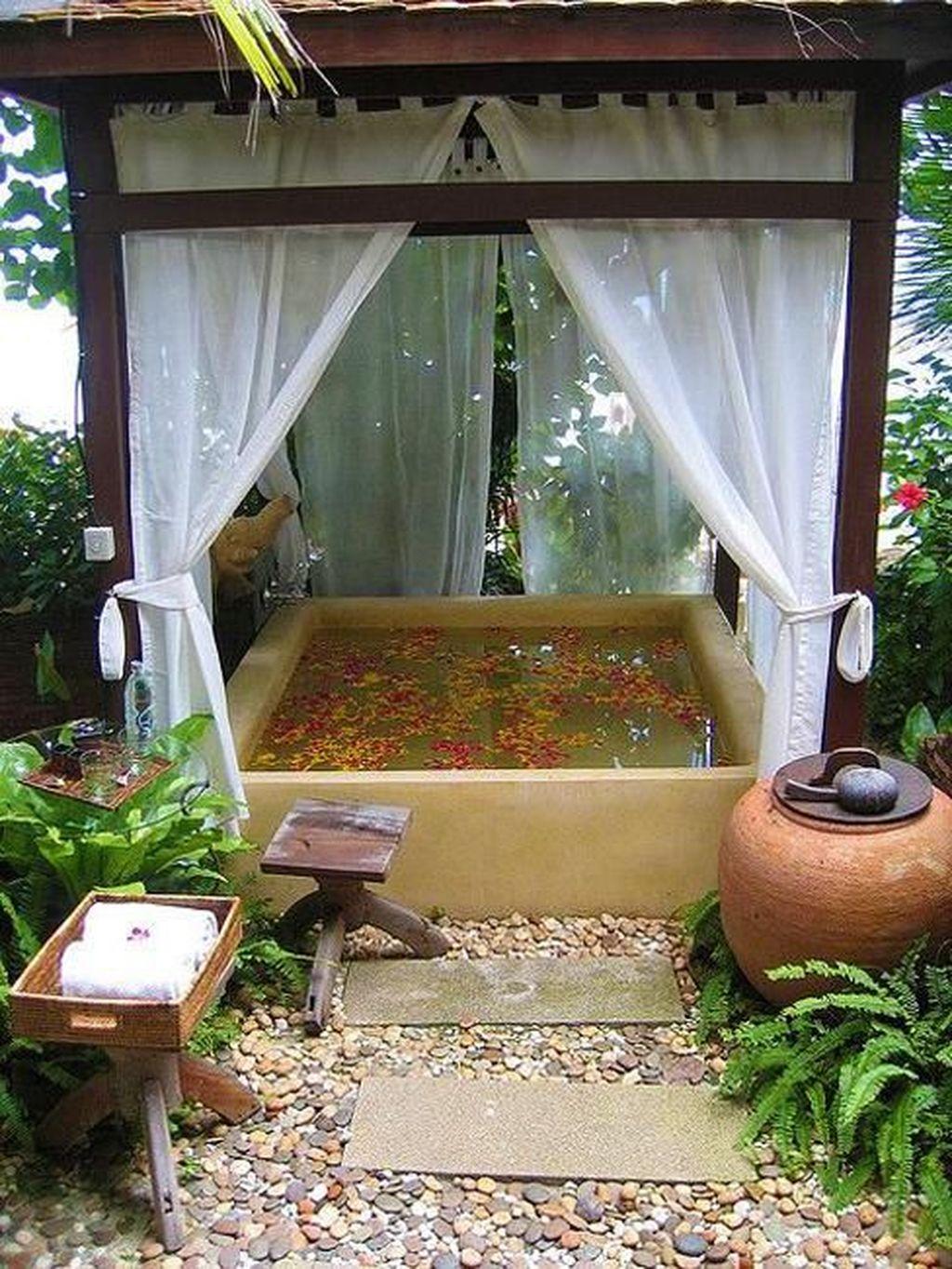 Creative Outdoor Bathroom Design Ideas For Enjoying Summer 32