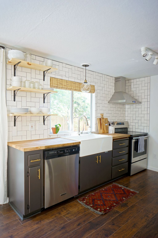 Fabulous Summer Kitchen Backsplash Ideas 22