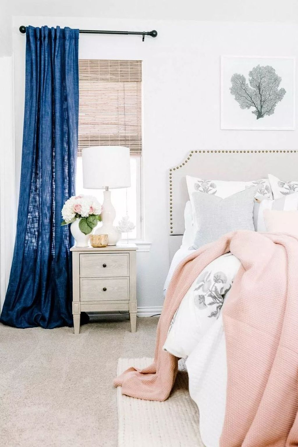 Fascinating Summer Bedroom Decor Ideas 07