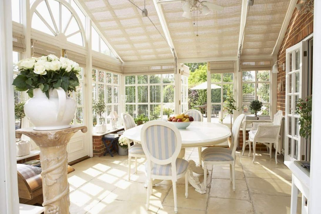 Gorgeous Modern Sunroom Design Ideas To Relax In The Summer 04