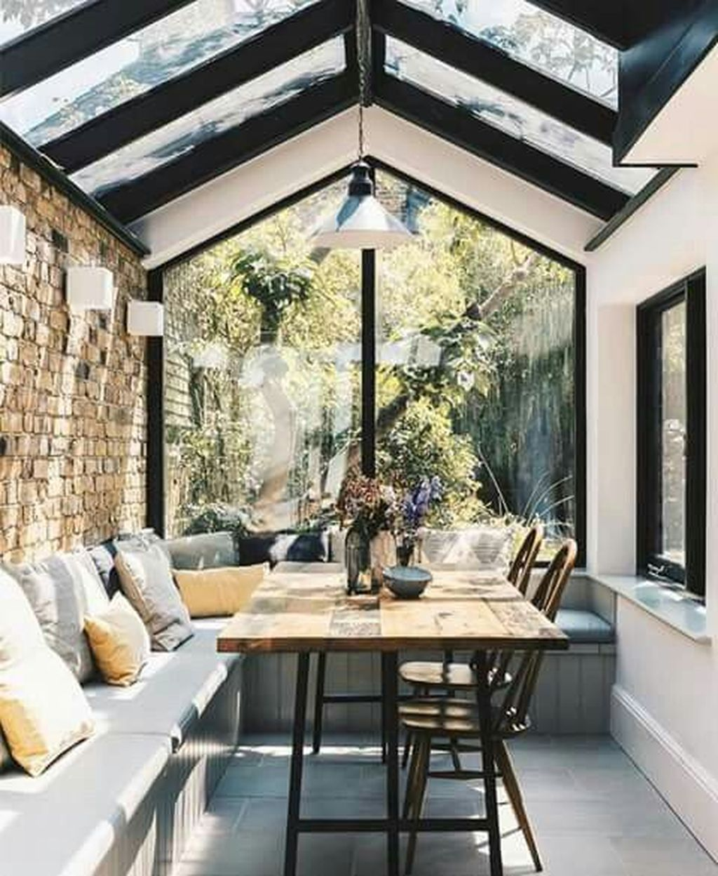 Gorgeous Modern Sunroom Design Ideas To Relax In The Summer 30