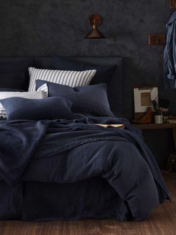 Inspiring Navy Blue Bedroom Decor Ideas You Should Copy 02