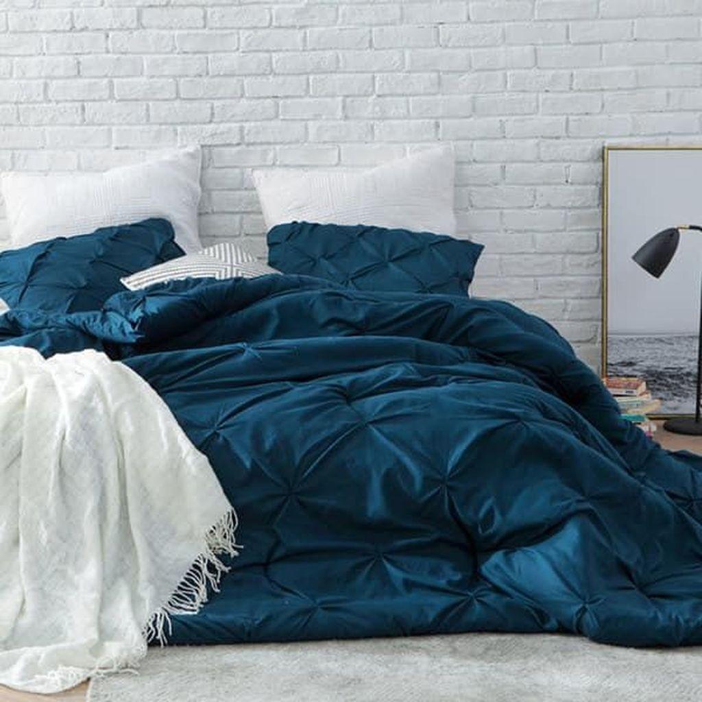 Inspiring Navy Blue Bedroom Decor Ideas You Should Copy 29