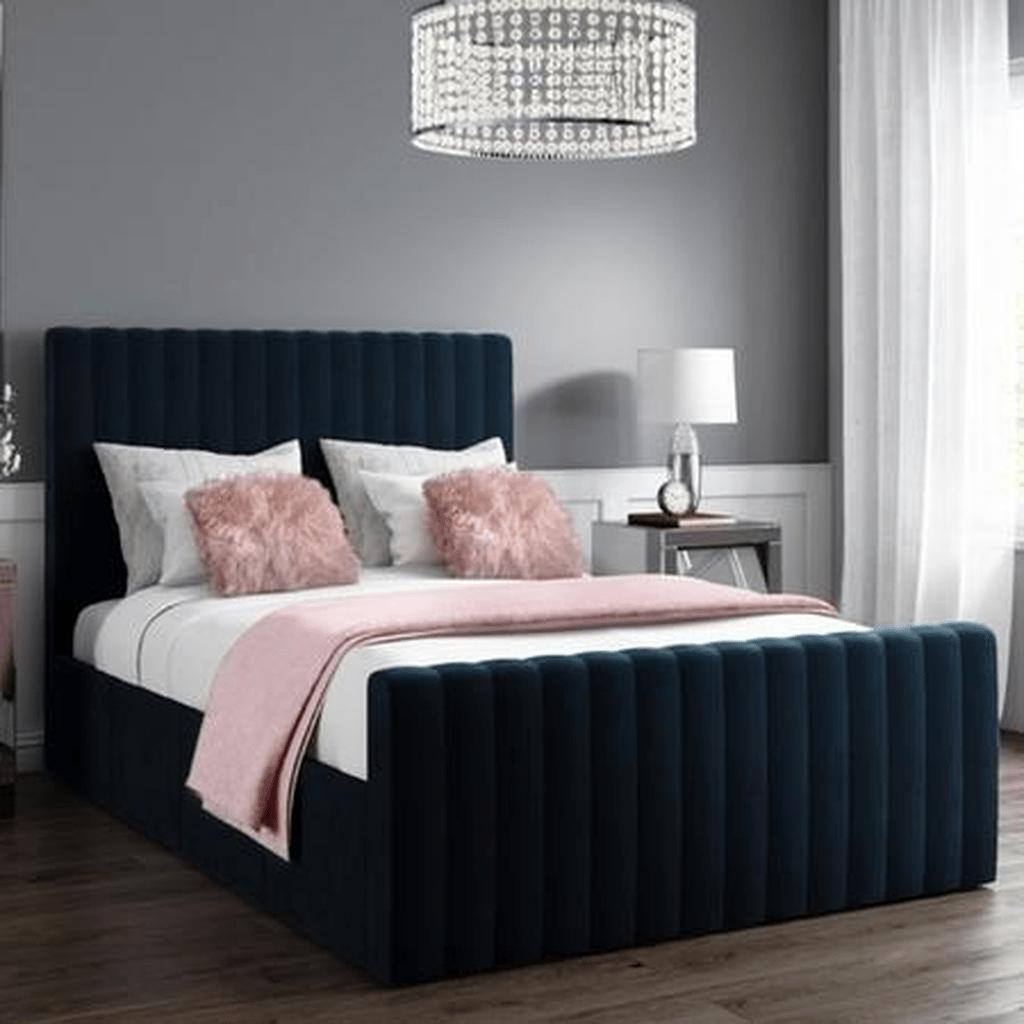 Inspiring Navy Blue Bedroom Decor Ideas You Should Copy 34