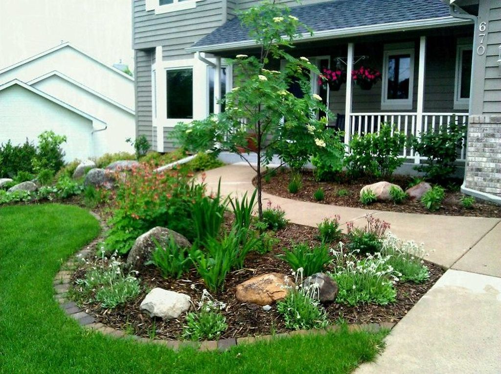Lovely Flower Beds Design Ideas In Front Of House 01